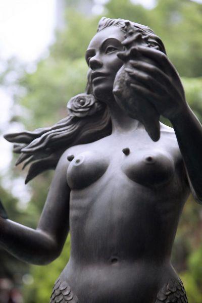 Armonía, Mermaid of Mexico.   Photo © by Aline Romero.