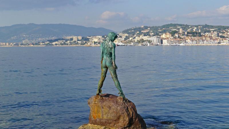 Mermaid Atlante in Port Canto, Cannes.  Photo © by Jean-Philippe Chevreau