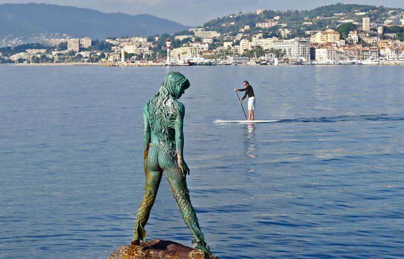 The Atlante 'Amphitrite' Mermaid Statue in Cannes.  Photo © by Jean-Philippe Chevreau.