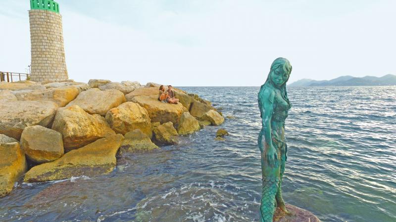 Mermaid Atlante in Port Canto, Cannes.  Photo © by Philip Jepsen
