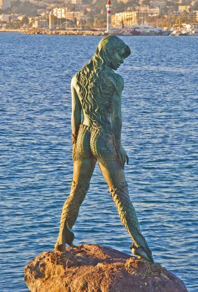 Mermaid Atlante in Port Canto, Cannes.  Photo © by Rossella De Amici.