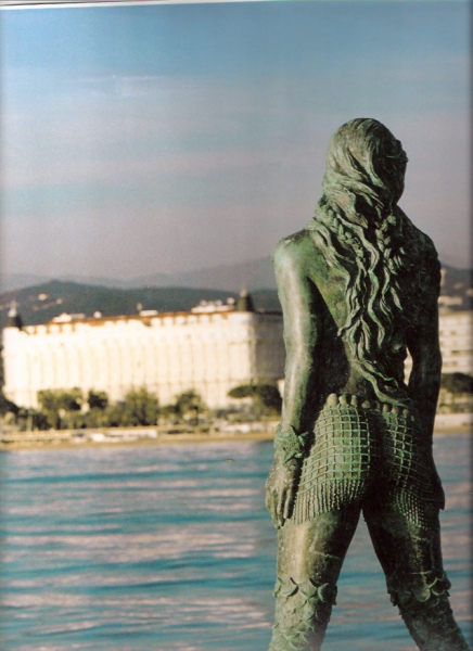 'Atlante' Mermaid Statue in Cannes.  Photo © by Amaryllis.
