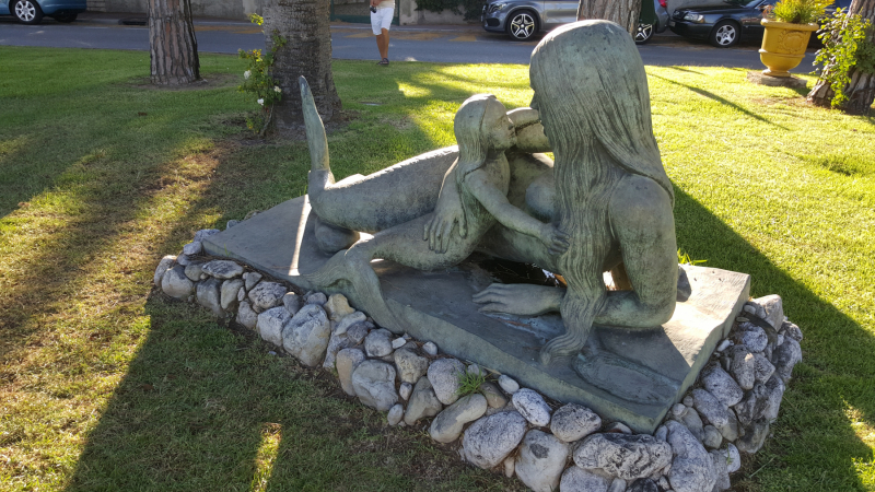 Mermaid with Child in Beaulieu-sur-Mer by Natascha Jusopov
