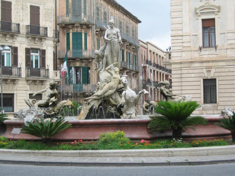 Fontana di Diana in Syracuse, Italy.  Photo © by Mel.