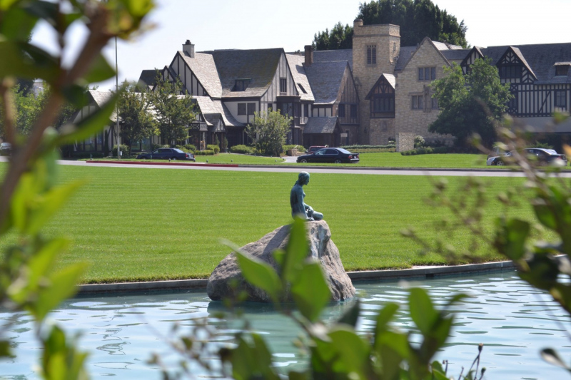 The Little Mermaid at Forest Lawn.  Photo © by Marc Jepsen.