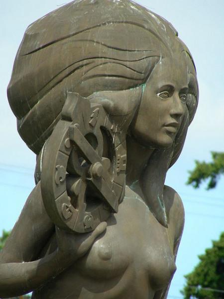 Nerissa, Mermaid of Salt Spring Island.  Photo by Shawn Schollmeyer.