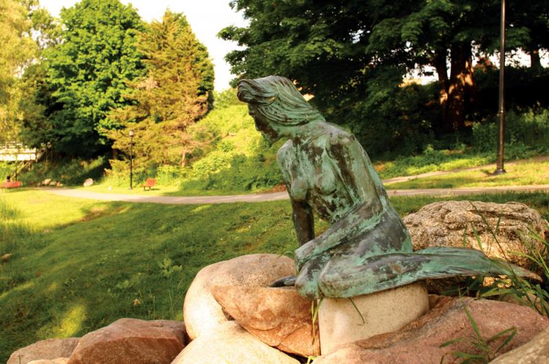 Greenville's Little Mermaid Statue.  Photo © by Darrin Clark