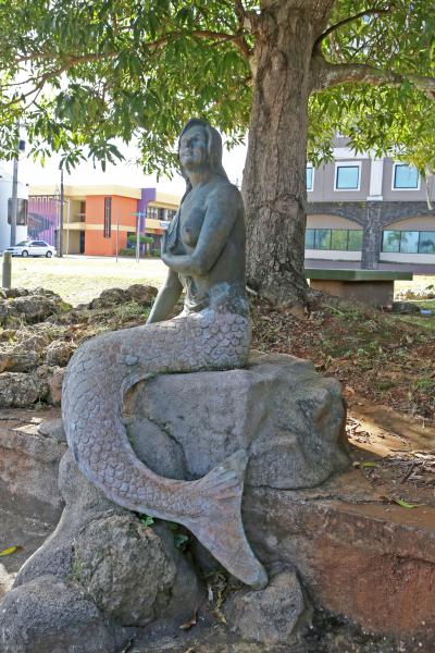 Sirena of Guam mermaid statue in Sirena Park, Hagåtña, Guam. Photo by PremiumArtPhotoGuam