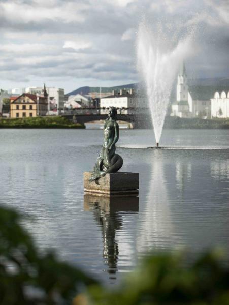 Iceland's Hafmeyjan (Mermaid) Statue by Nína Sæmundsson.  Photo © Bjarki Bragason.