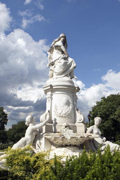 The Heinrich Heine Lorelei Fountain.  Photo © by Brian Benton.