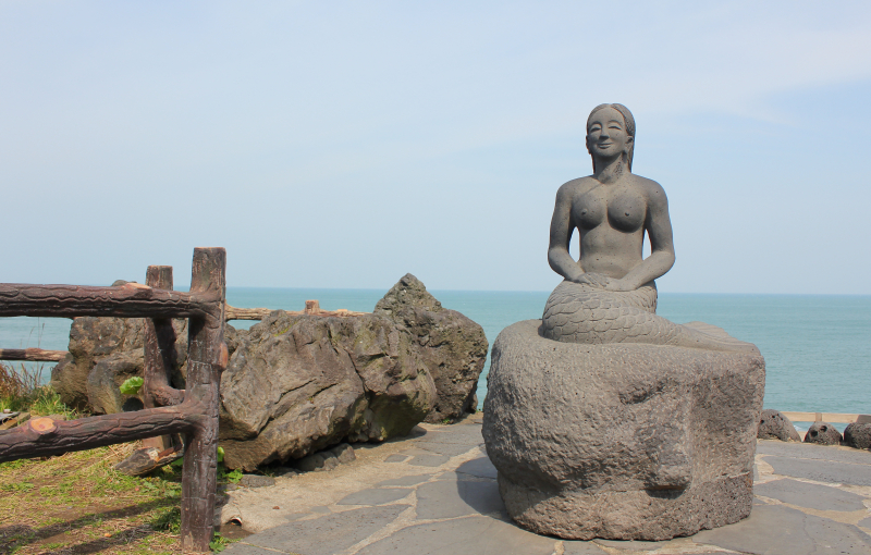 Jeju Mermaid by Dragon's Head Rock. Photo by Cheryl Chan