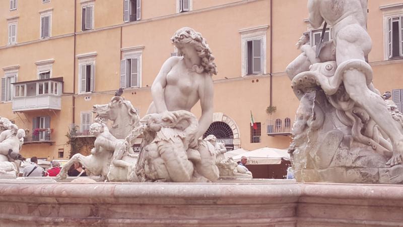 Fontana di Nettuno in Rome.  Photo © by Philip Jepsen.