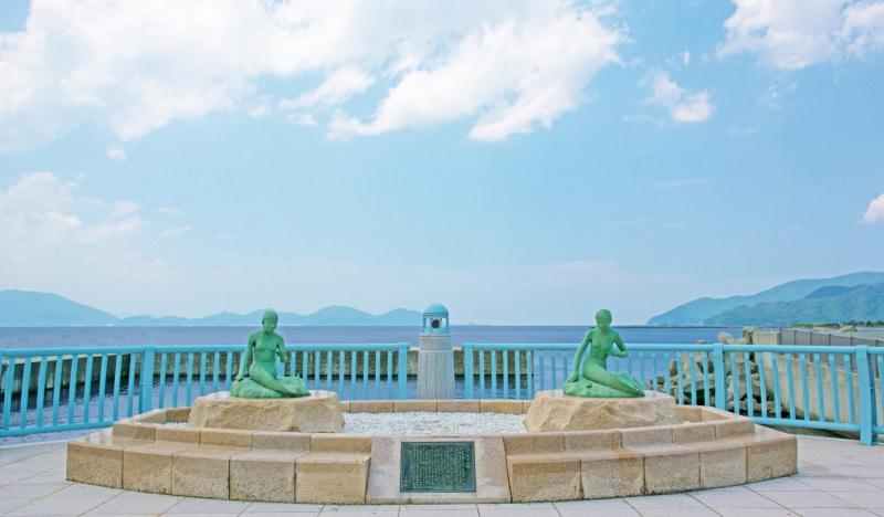 The mermaids at Obama Beach in Japan.  Photo © Emily Ann Mahon.