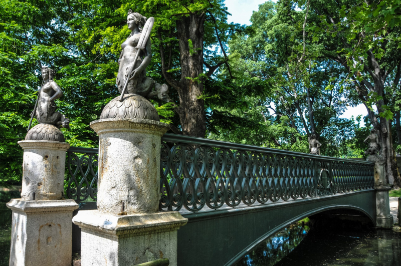 Ponte delle Sirenette (Bridge of Mermaids) in the Sempione Park in Milan. Photo © by Michael Bell