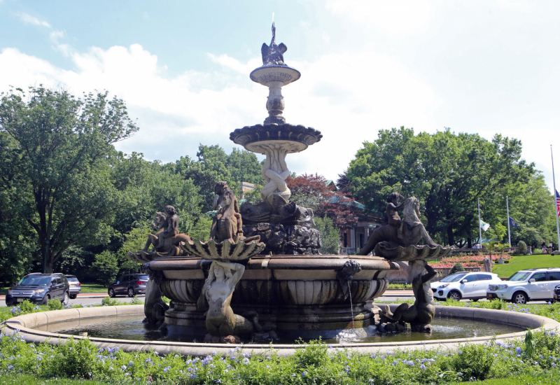The Rainey Gate Fountain.   Photo © by Brian Benton.