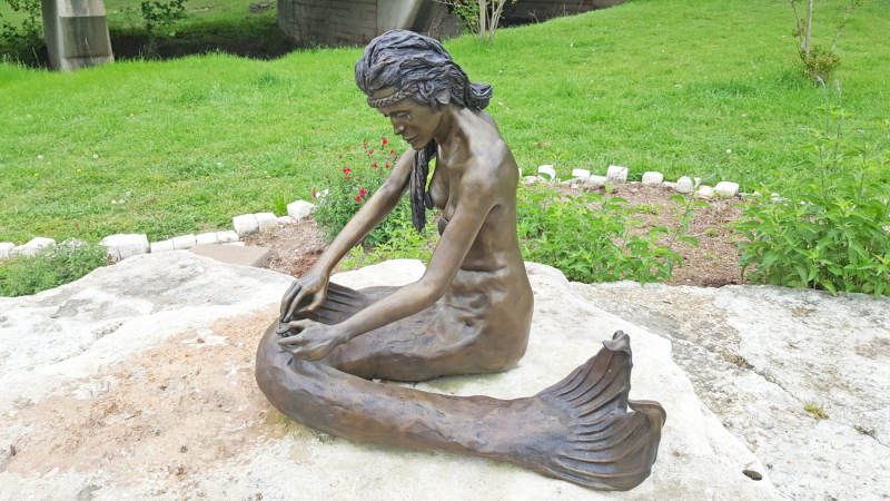 Sirena, native mermaid of Salado.  Photo © by Philip Jepsen