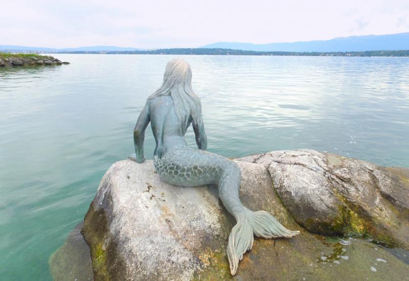 Sirene de Collonge-Bellerive.  Photo © by Philip Jepsen.
