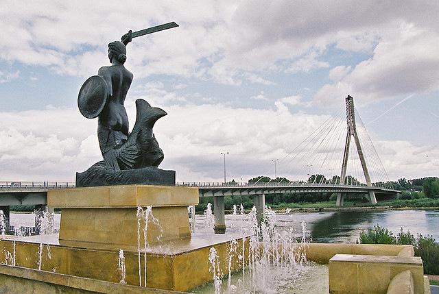 Syrenka at Swietokrzyski Bridge