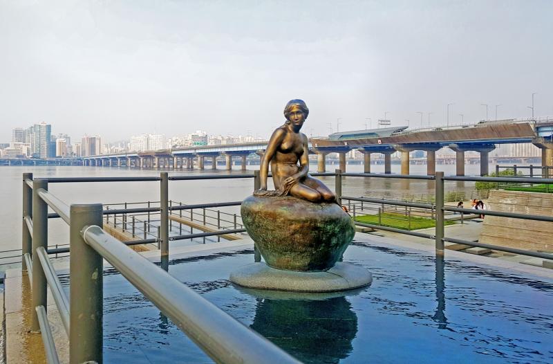 The Little Mermaid in Seoul.  Photo © by Songhee Jo.