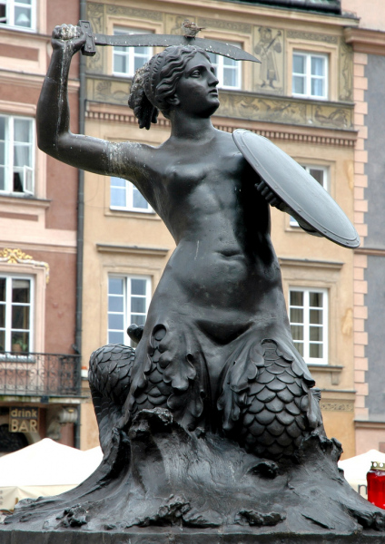 The Syrenka Mermaid Statue in Warsaw Old Town Market Square.  Photo © by Siyad Ma.