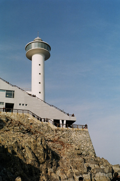 Yeongod Lighthouse in Taejongdae Park.  Photo © by intacto-ccby20.