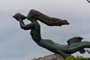 """Mermaid statue """"Sirena Magdalena"""" in Santander Spain"""