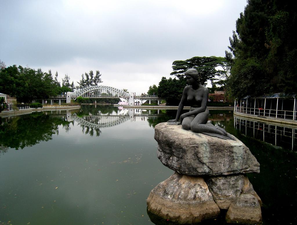 The Little Mermaid Statue In Shenzhen China Mermaids Of